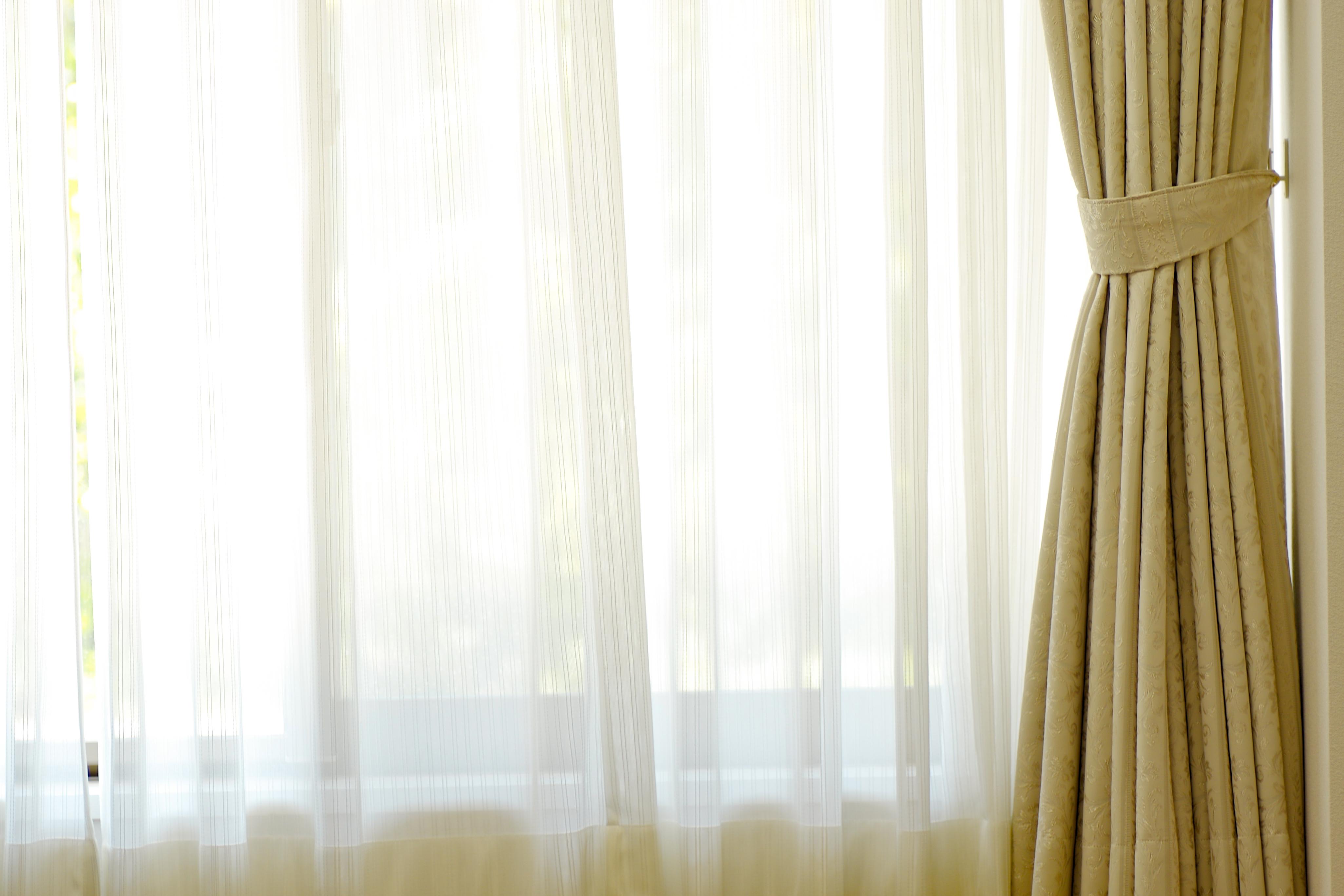 カーテンの自宅での洗濯方法!頻度や洗い方から乾かし方までコツを解説!