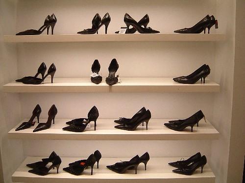 靴箱の収納方法!大量のパンプスやスニーカーをスッキリしまう方法は?