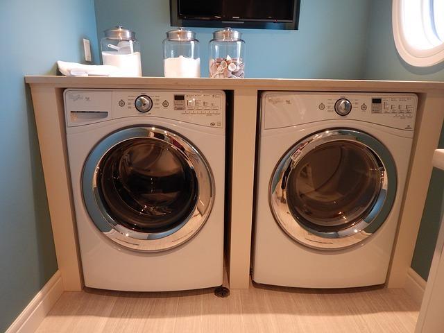ティッシュを洗濯機で洗ってしまった時の上手な取り方!