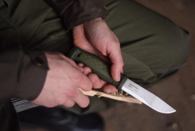 モーラナイフの研ぎ方!砥石の選び方から上手に研ぐコツまで解説!