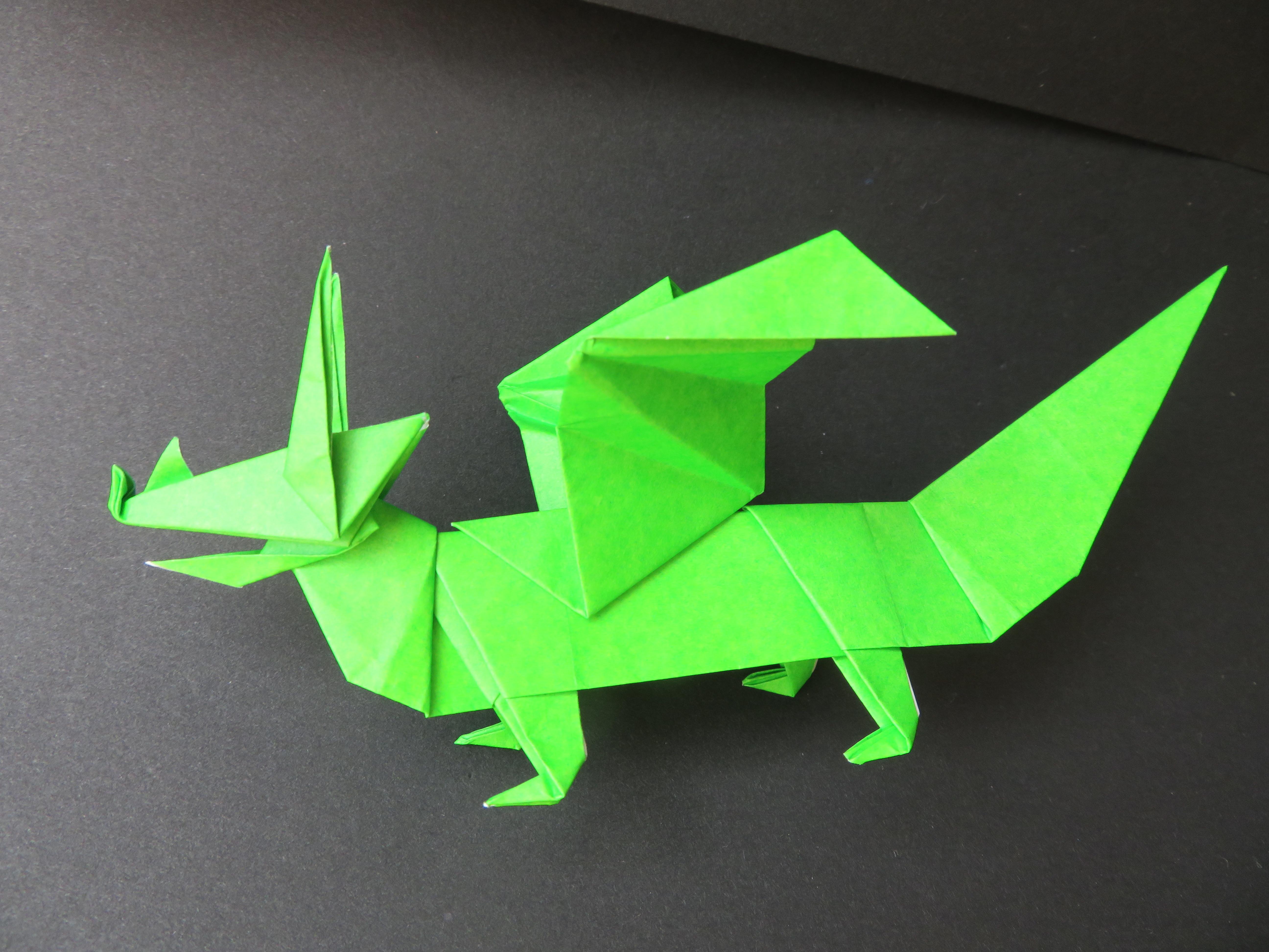 ドラゴン(折り紙)の折り方!立体的でかっこいい龍を作る手順を解説!