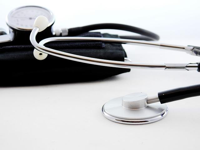 血圧を即効的に下げる方法は?効果的なツボ押しマッサージなどを紹介!