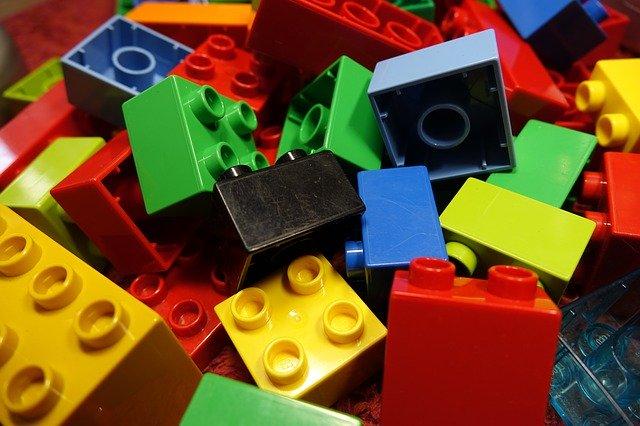 大人がハマるダイソープチブロックってどんなおもちゃ?全64種類と作り方を紹介!