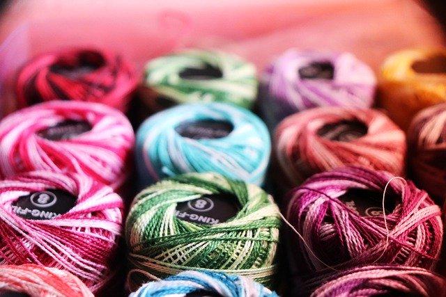 マクラメ編みの実例9選!必要となる道具・材料や編み方手順を解説!