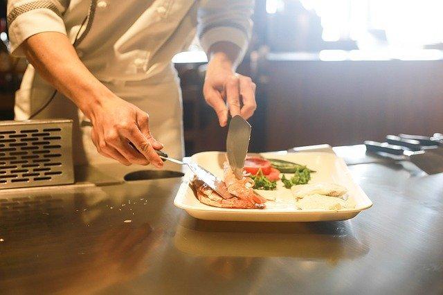 イルカの肉は食べられるの?食用としてのイルカの味や食べ方を紹介!