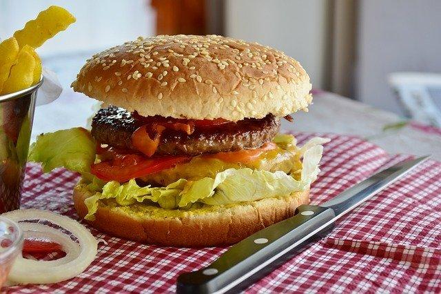 ぬーやるバーガーとは?沖縄ご当地で人気のハンバーガー店をご紹介!