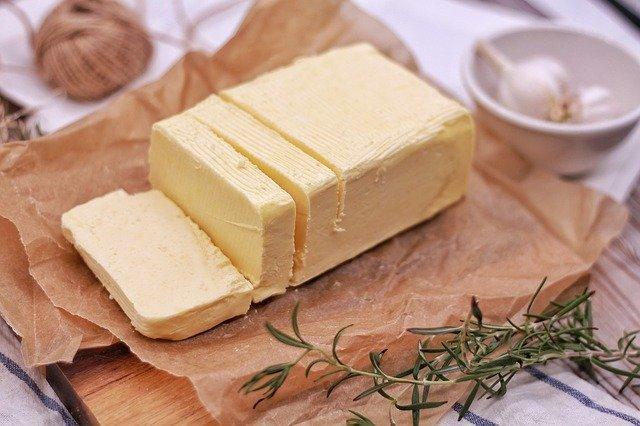 自家製バターの作り方!牛乳と生クリームから簡単シェイクで作る方法!
