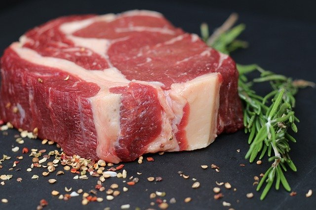 分厚い肉の焼き方!厚切りのステーキや肉厚のブロックはどう焼く?