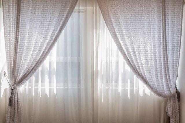 カーテンの作り方!生地の準備からサイズの調整・上手な縫い方までご紹介!