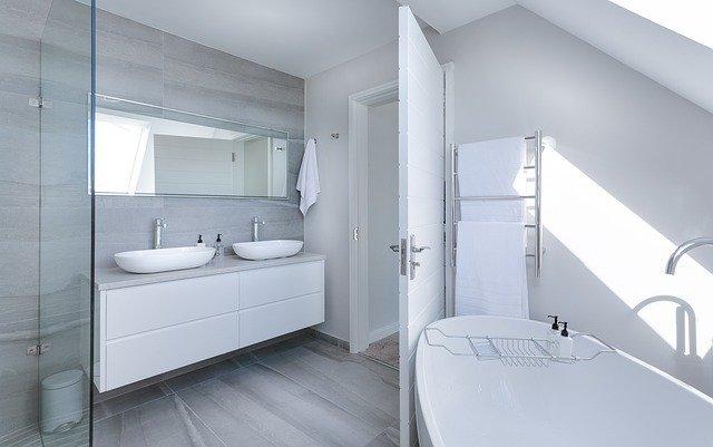 お風呂ってどれくらいの頻度で掃除する?毎日掃除しなくてもいいの?