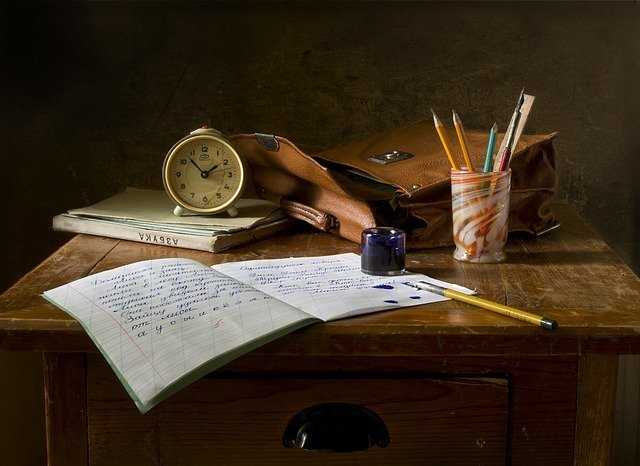 スタンディングデスクおすすめTOP5!立って勉強や作業の効率UPに!