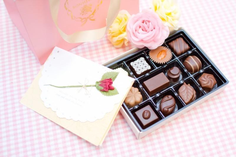 バレンタインカードの手作り方法!デザインがかわいい人気商品も紹介!
