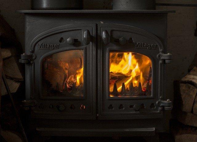 ペチカとは?ロシア式暖炉の構造・仕組みやインテリア実例をご紹介!