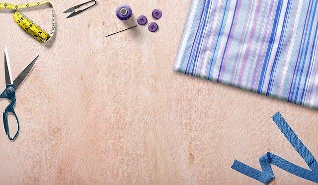 ファスナーポーチの作り方!生地の縫い方やファスナーの付け方を解説