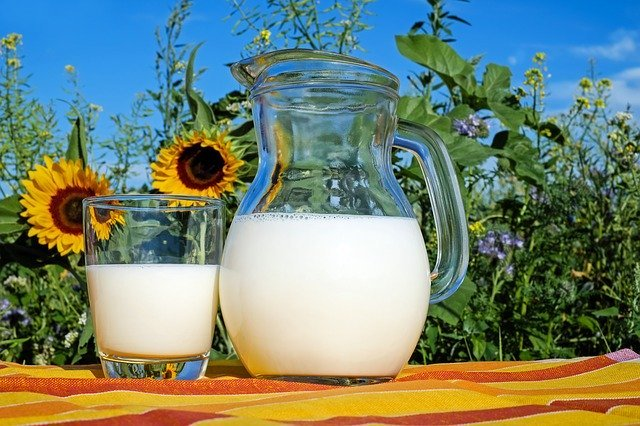 牛乳から生クリームが作れる!?困ったときの簡単代用レシピを紹介