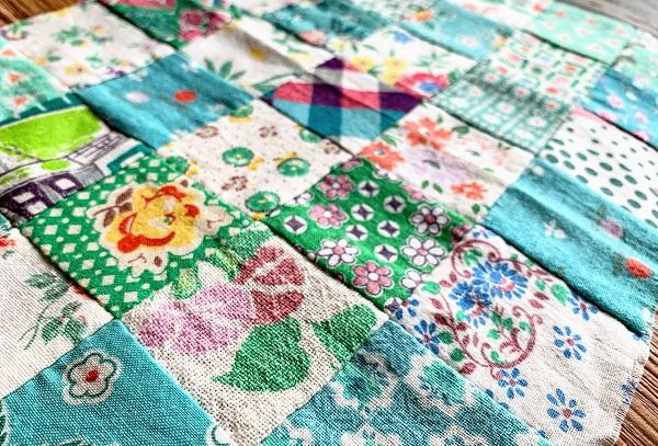 手縫いパッチワークの作り方!初心者向けアイデアや材料・手順を紹介