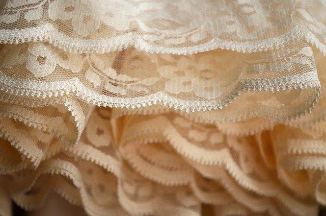 フリルの作り方!手縫いのハンドメイドに必要な材料・手順を解説