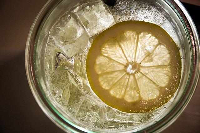 自家製レモンスカッシュの作り方!自宅でもおいしく手作りできる?