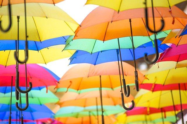 Amazonで購入できるおすすめ折りたたみ傘30選!人気の理由もご紹介!