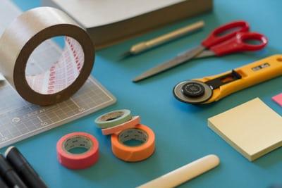 アクリル板のカットを上手にやるコツは?用意する材料と手順を解説!