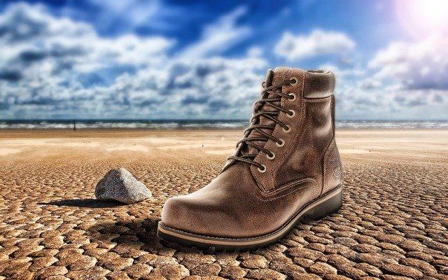 靴をスピーディに乾燥させる4つの方法!最も早く効率のよいやり方は?