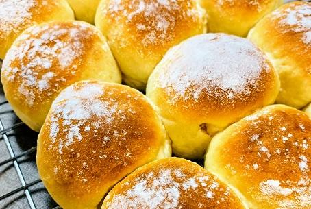 発酵なしで作るふわふわパン!フライパンでもできる人気のレシピをご紹介