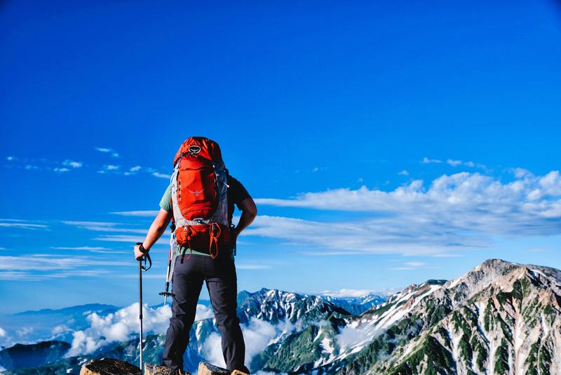ハイキング・登山におすすめのレインウェア10選!選び方のポイントは?
