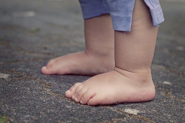 【マンション悩み】賃貸でもできる足音対策とは?子どもの足音軽減はできる?