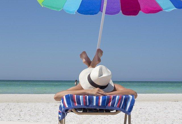 日焼け止めだけで大丈夫?紫外線から肌を守るおすすめUVケア15選!