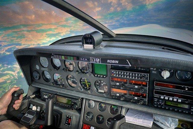 マッハは時速で何キロ?ジャンボジェット機など具体例をあげて解説!