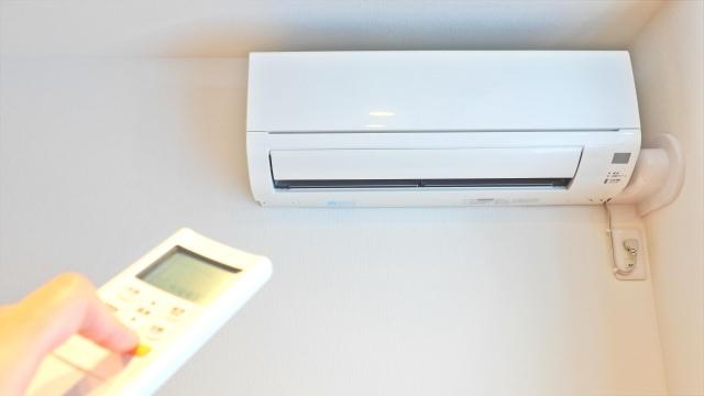 冬場のエアコン(暖房)の設定温度は何℃が適温?その理由や効果を解説!