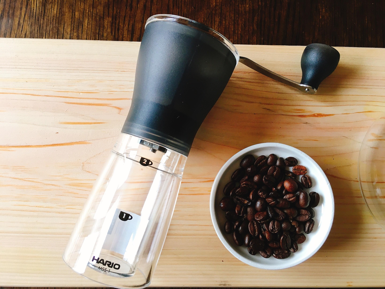 コーヒーミルのお手入れ方法!掃除すべき箇所や水洗いのコツを紹介!
