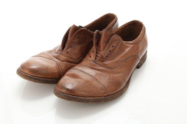 革靴に使える防水スプレー6選!自分でできる効果的な使い方も併せて解説
