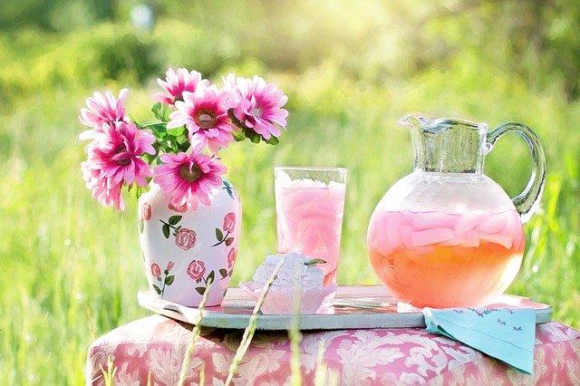 ピンクレモネードの作り方!誰でもおいしく作れる簡単レシピを紹介!