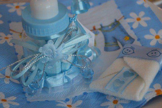 おしゃれでかわいい「おむつケーキ」の作り方5選!出産祝いにも大人気?