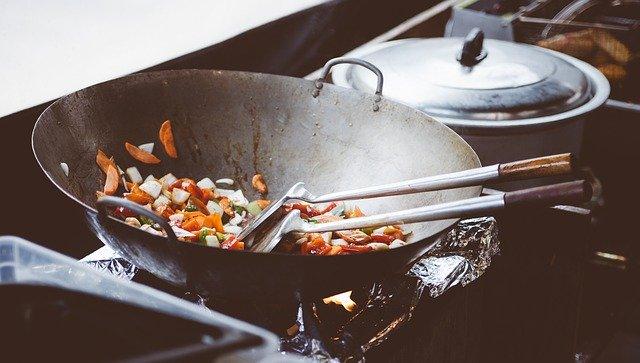 中華鍋の育て方!たわしや洗剤で洗うのはNG?上手な手入れの仕方を解説!