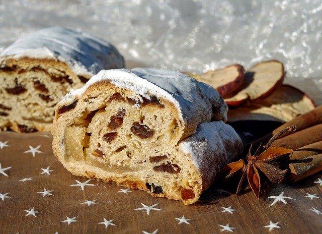 クリスマスの定番菓子「シュトーレン」とは?その意味とレシピを紹介