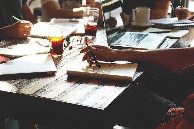 体調不良で会社を休む時のメールの書き方は?例文や注意点をチェック!