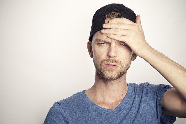 仕事が辛いと感じる9つの原因とは?辞めたいと感じた時の対処法9選も!