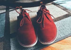 http://maxpixel.freegreatpicture.com/Hipster-Red-Shoes-Style-Fashion-1471537
