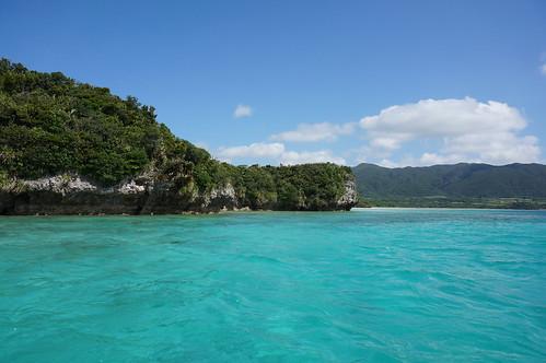 沖縄の気温を1月から12月まで年間解説!夏・冬に適した服装は?