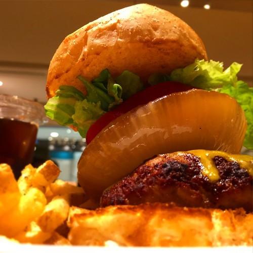 沖縄のハンバーガー人気ランキングTOP21!有名店からチェーン店まで