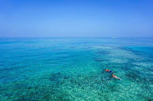 沖縄のシュノーケリングスポットおすすめランキングTOP21!青の洞窟や離島も
