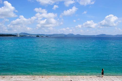 沖縄の気候とおすすめの服装を月毎に解説!夏や冬・迷いがちな3月10月は?
