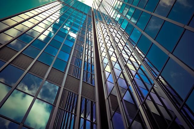 大阪の一度は見ておきたい有名建築15選!建築家のセンスが光る建築物巡り!