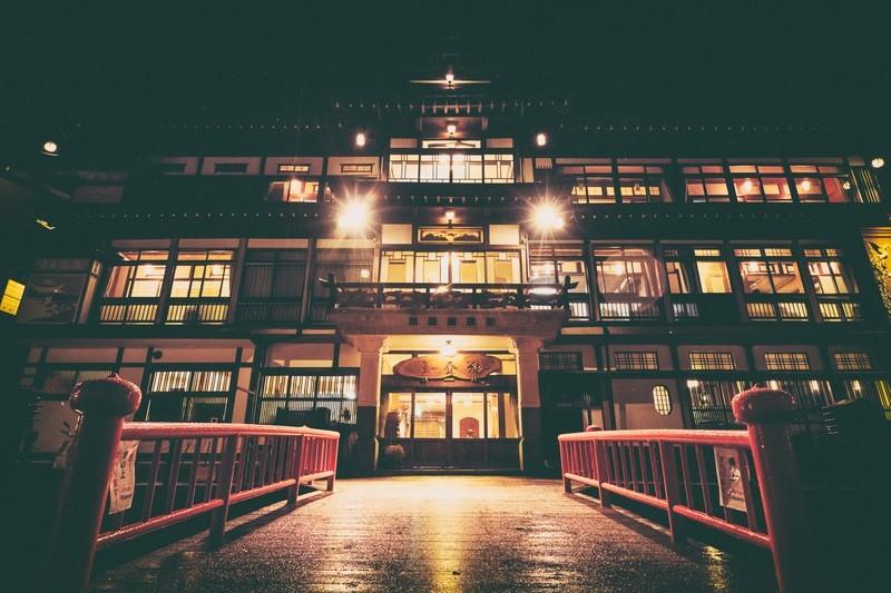 大阪のおすすめ旅館11選!寛げる和室がカップルにも人気?