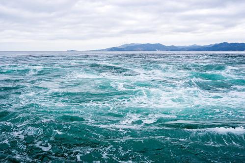 徳島・鳴門の渦潮は迫力満点!ベストな時間や場所に周辺観光スポットは?
