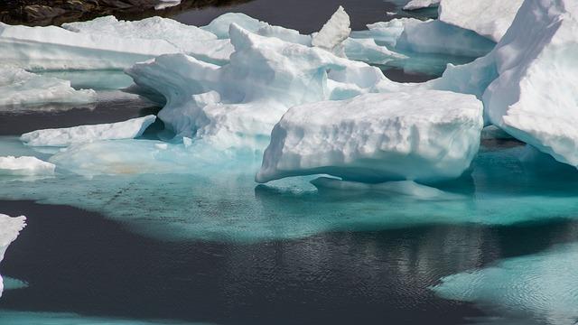 北海道へ流氷体験旅行に出かけよう!おすすめスポットやツアー・美しい時期は?