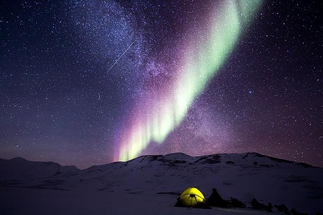 北海道に美しいオーロラを見に行こう!おすすめの場所や時期・発生条件は?