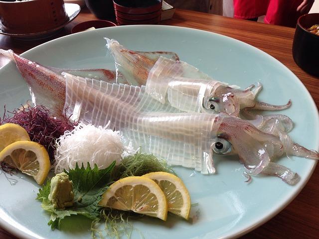 佐賀・呼子で旬のイカを味わいつくす!活き造りの美味しい地元の人気店は?